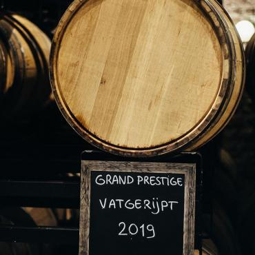 Our beloved sherry barrels are back from a sojourn at Hertog Jan. They performed like stars. Now you can sip for yourself. Did you already tried?  #hooghoudt #hertogjan #vatgerijpt #collaboration #beer #genever